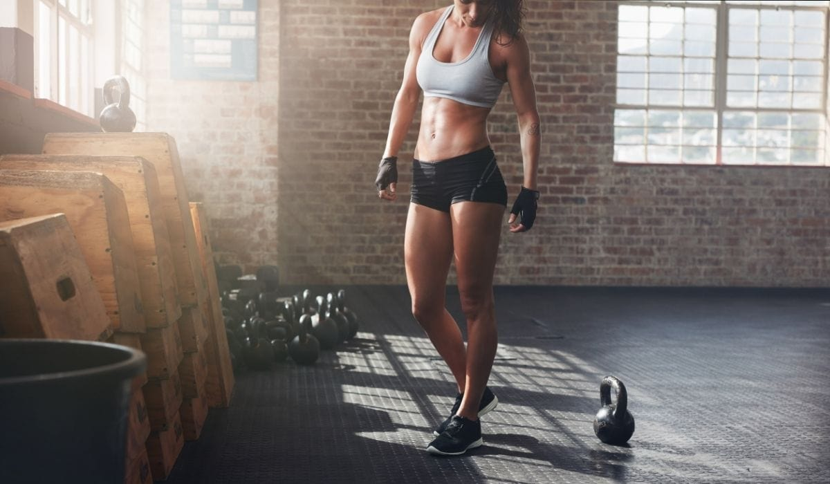 woman in crossfit gym